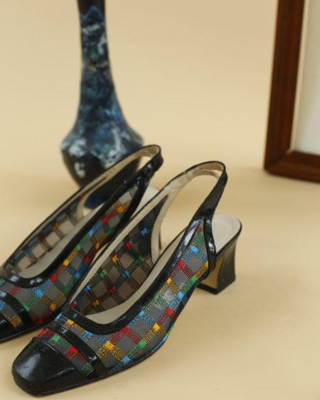 « Chaussures Pierre Laurence bout carré » par Oldē Paris - Peut se porter en journée et soirée. Brodé transparent / Type année 60