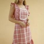 « Robe à basque vichy » par Oldē Paris Peut se porter en Journée Sans manche Broderie sur le devant