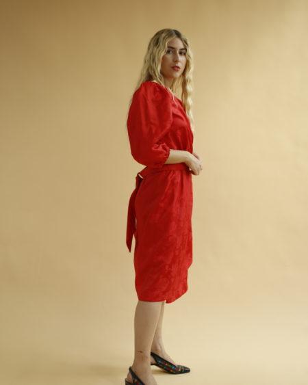 Robe à fleurs rouge