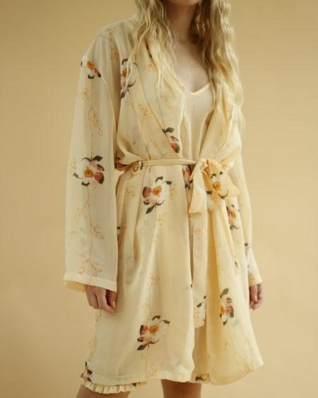 Ensemble robe nuisette et veste ceinturée