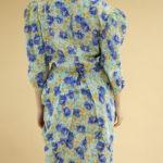 Robe fleurie à épaulettes